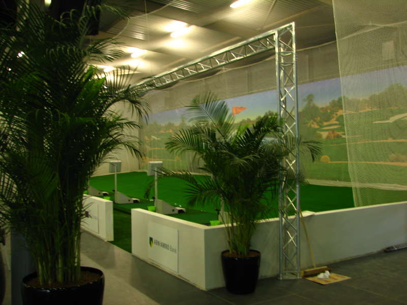 Golfnetten, pokerstance, Putting Stick, planeSwing,putting greens, Afslagmatten, Flightscope x3, The NetReturn, Simulator kooi op maat, Standaard simulator kooi, e6 golfconnect, skytrack, flightscope, x3 simulator, putt simulator (exputt) sportscoach systems, trugolf, Dutch Golf Company, indoorgolf, golfsimulator, golfprofessional, Goirle, Eindhoven